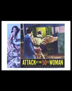 El Ataque de la Mujer de 50 Pies Escena Bar
